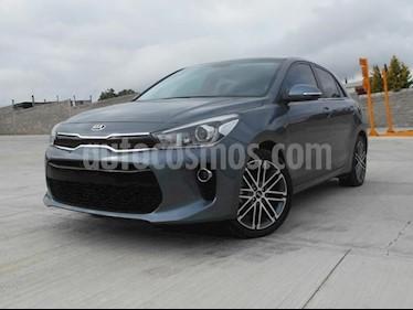 Foto venta Auto Seminuevo Kia Rio Hatchback EX Aut (2018) color Gris Urbano precio $255,000