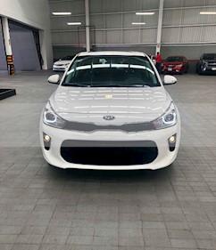 Foto venta Auto usado Kia Rio Hatchback EX Aut (2019) color Blanco precio $299,000