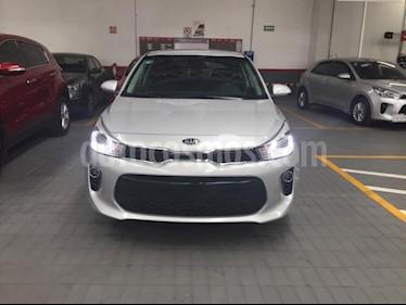 Foto venta Auto Seminuevo Kia Rio Hatchback EX Pack Aut (2018) color Plata precio $286,900