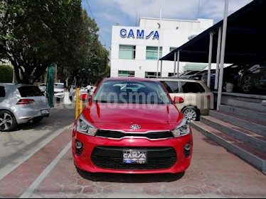 Foto venta Auto Seminuevo Kia Rio Hatchback EX Pack Aut (2018) color Rojo precio $289,900