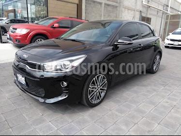 Foto venta Auto usado Kia Rio Hatchback EX Pack Aut (2018) color Negro Perla precio $270,000
