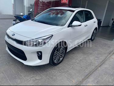 Foto venta Auto usado Kia Rio Hatchback EX Pack Aut (2019) color Blanco precio $310,000