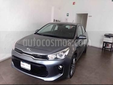 Kia Rio Hatchback EX Pack Aut usado (2019) color Gris precio $305,000