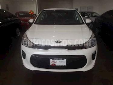 Foto venta Auto usado Kia Rio Hatchback EX Pack Aut (2020) color Blanco precio $316,000