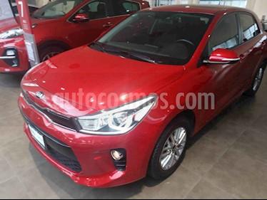 Foto venta Auto usado Kia Rio Hatchback EX (2018) color Rojo precio $270,000
