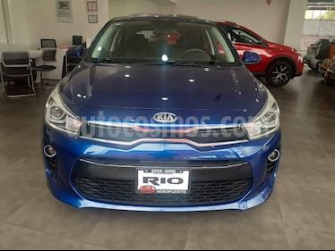 Foto venta Auto usado Kia Rio Hatchback EX (2020) color Azul precio $275,000