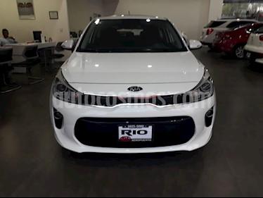 Foto venta Auto usado Kia Rio Hatchback EX (2018) color Blanco precio $229,000