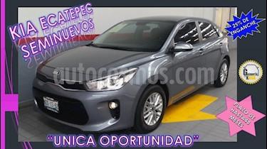 Foto venta Auto Seminuevo Kia Rio Hatchback EX (2018) color Gris precio $249,000