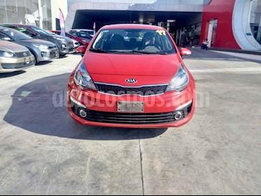 Foto venta Auto usado Kia Rio Hatchback EX (2017) color Rojo precio $198,000