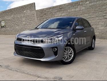 Foto Kia Rio Hatchback EX usado (2019) color Gris Urbano precio $270,000