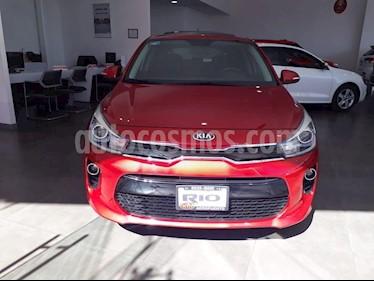 Foto venta Auto usado Kia Rio Hatchback EX (2018) color Rojo precio $239,000