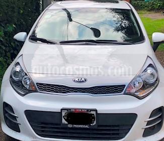 Kia Rio Hatchback EX usado (2017) color Blanco precio $171,500
