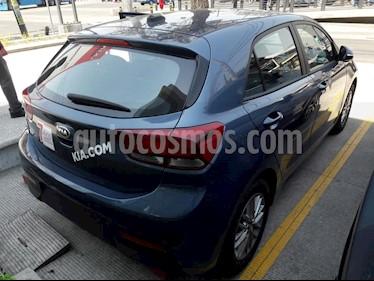 Foto venta Auto usado Kia Rio Hatchback EX (2018) color Azul precio $272,270