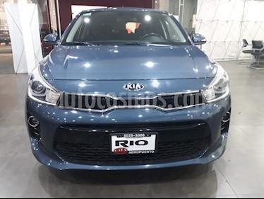 Foto venta Auto Seminuevo Kia Rio Hatchback EX (2018) color Azul precio $245,000