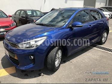 Foto venta Auto usado Kia Rio Hatchback EX (2018) color Azul Azzuro precio $227,000