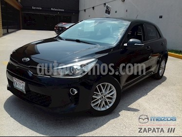 Foto venta Auto usado Kia Rio Hatchback EX (2018) color Negro Perla precio $240,000