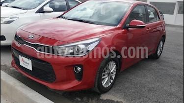 Foto venta Auto usado Kia Rio Hatchback EX (2018) color Rojo precio $234,000