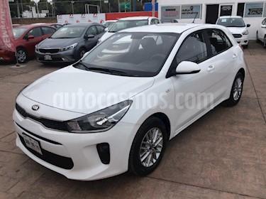 Foto venta Auto usado Kia Rio Hatchback L (2018) color Blanco precio $219,000