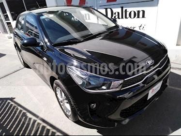 Foto venta Auto usado Kia Rio Hatchback L (2018) color Negro precio $229,000