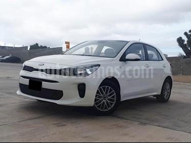 Foto venta Auto usado Kia Rio Hatchback LX Aut (2018) color Blanco precio $216,000
