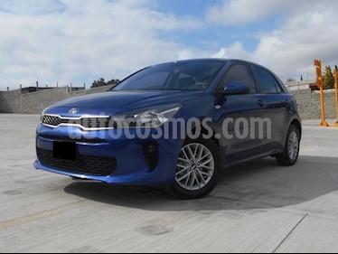 Foto venta Auto Seminuevo Kia Rio Hatchback LX (2018) color Azul Azzuro precio $218,000