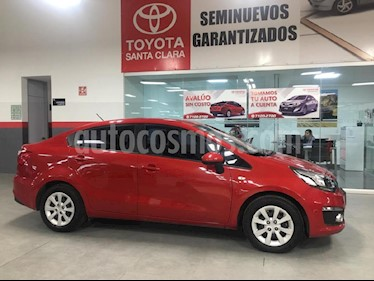 Foto venta Auto Seminuevo Kia Rio Hatchback LX (2017) color Rojo precio $183,000