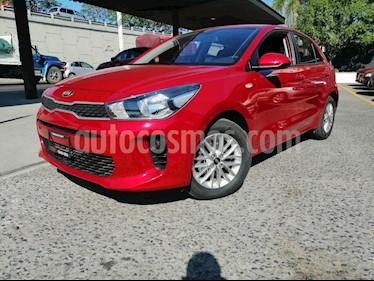 Kia Rio Hatchback LX usado (2020) color Rojo precio $243,000
