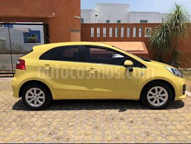 Kia Rio Hatchback LX usado (2017) color Amarillo precio $155,000