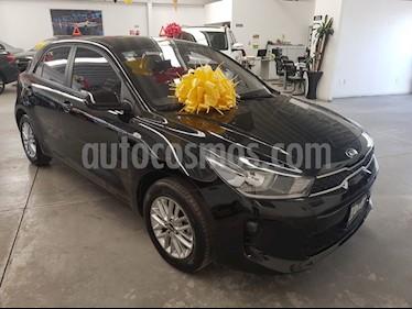 Kia Rio Hatchback LX usado (2019) color Negro Perla precio $229,000
