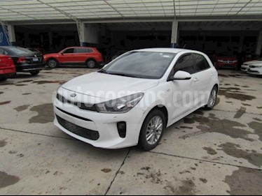Kia Rio Hatchback LX Aut usado (2018) color Blanco precio $86,000