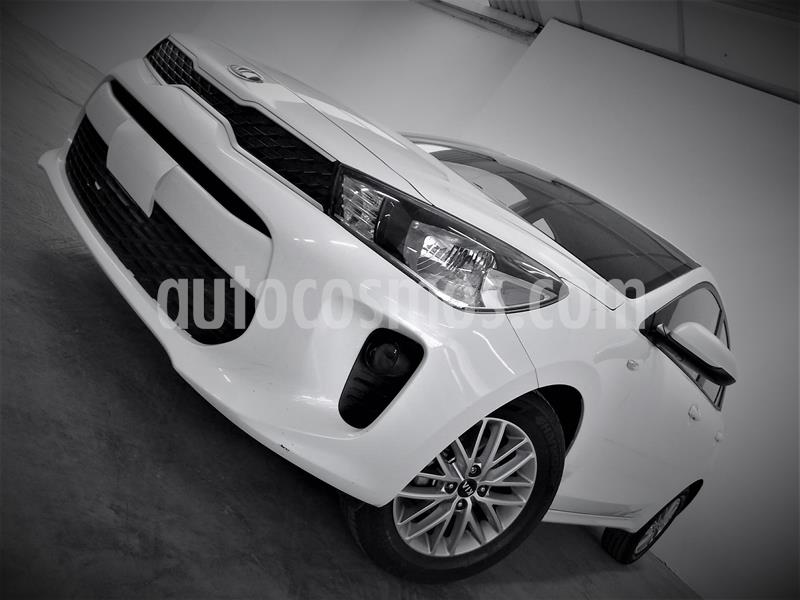 Kia Rio Hatchback LX usado (2019) color Blanco precio $189,999