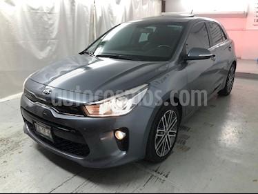 Kia Rio Hatchback EX Pack Aut usado (2018) color Gris Urbano precio $245,000