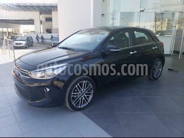 Foto Kia Rio Hatchback EX Pack Aut usado (2019) color Negro precio $304,000