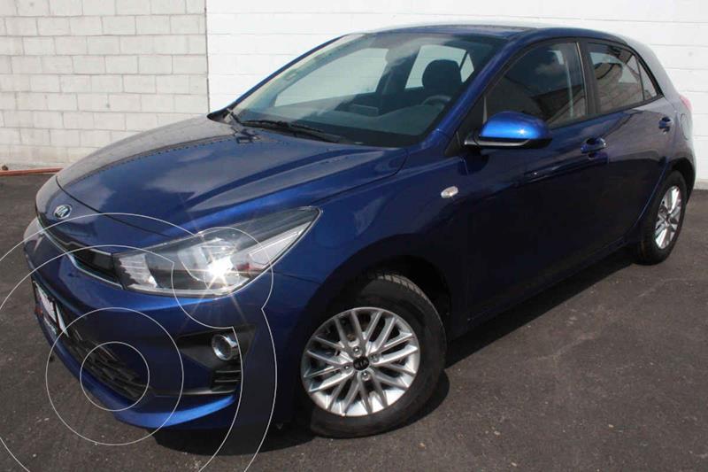 Foto Kia Rio Hatchback LX Aut usado (2021) color Azul precio $283,000