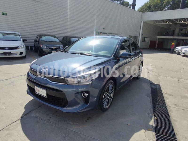 Kia Rio Hatchback EX Pack Aut usado (2020) color Azul precio $300,000