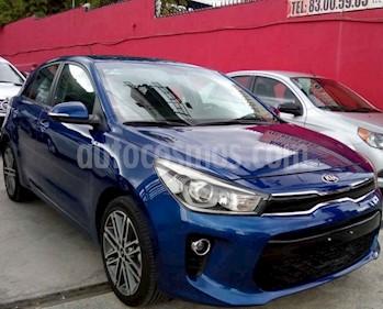 Kia Rio Hatchback EX Pack Aut usado (2018) color Azul precio $220,000