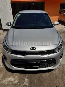 Kia Rio Hatchback EX Aut usado (2018) color Plata precio $250,000