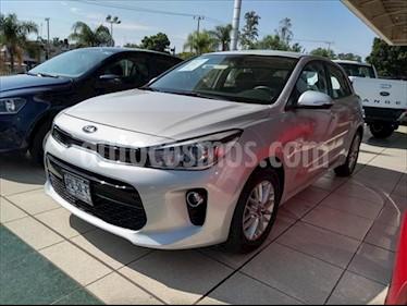 Kia Rio Hatchback EX usado (2018) color Plata precio $245,000