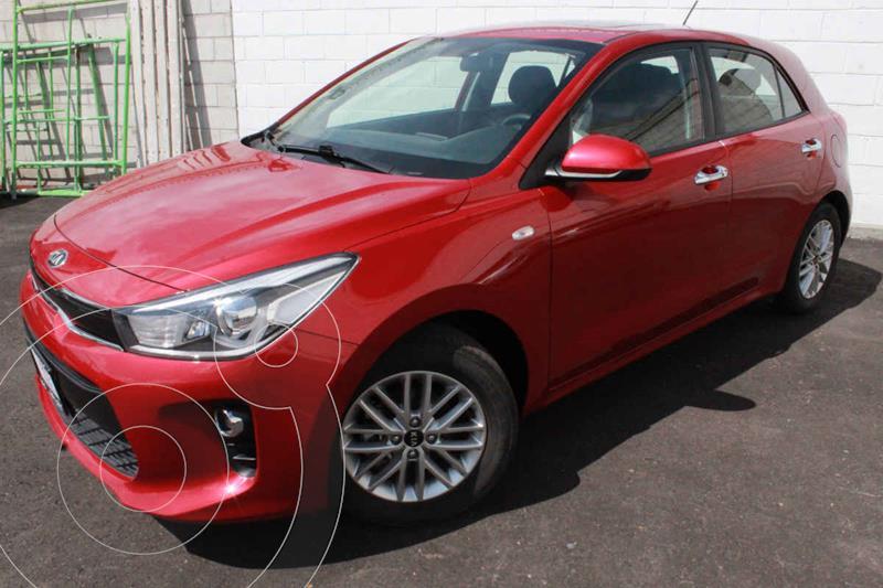 Foto Kia Rio Hatchback EX usado (2020) color Rojo precio $305,000