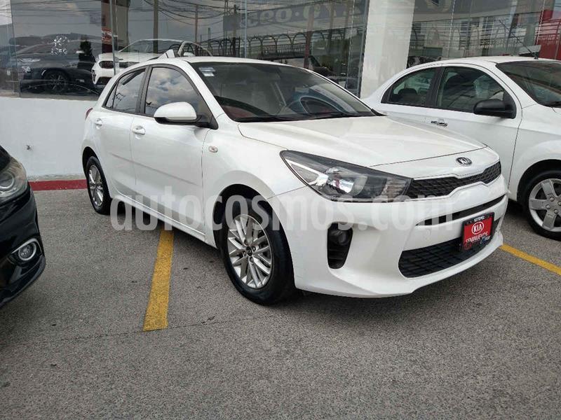 Kia Rio Hatchback LX Aut usado (2018) color Blanco precio $204,900