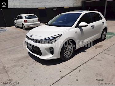 Kia Rio Hatchback EX usado (2019) color Blanco precio $234,900