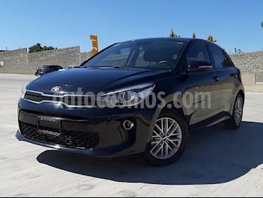 Foto Kia Rio Hatchback EX usado (2018) color Negro Perla precio $225,000