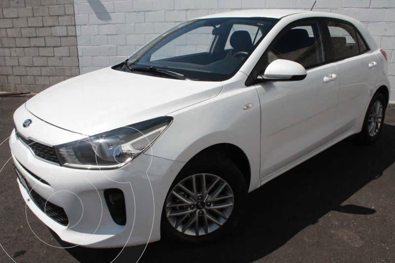 Foto Kia Rio Hatchback LX Aut usado (2018) color Blanco precio $220,000