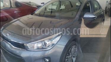 Kia Rio Hatchback EX Pack Aut usado (2019) color Gris precio $300,800