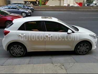 Kia Rio Hatchback EX Pack Aut usado (2018) color Blanco Nieve precio $235,000