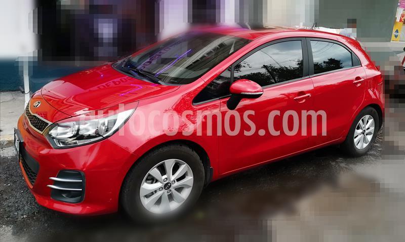 Kia Rio Hatchback EX usado (2017) color Rojo precio $180,000
