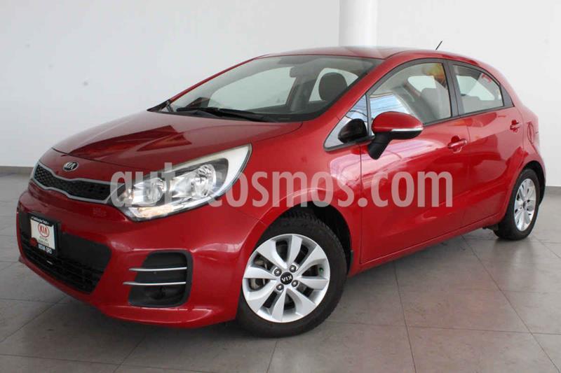 Kia Rio Hatchback EX usado (2017) color Rojo precio $205,000