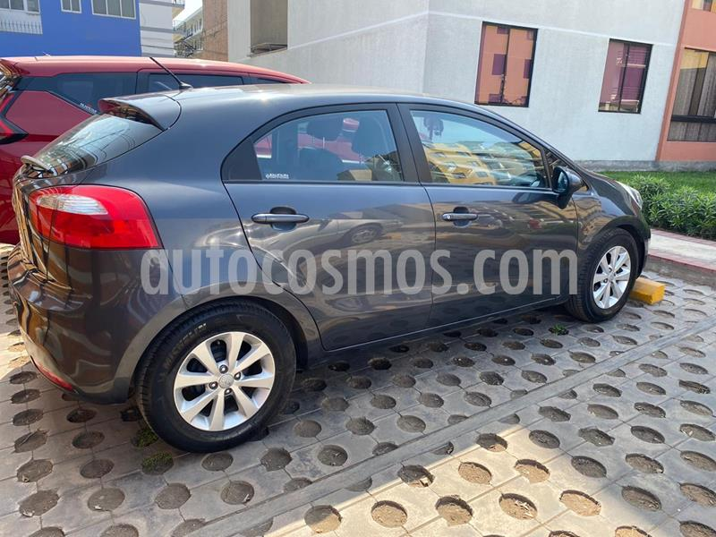 KIA Rio Hatchback 1.4 EX Full usado (2014) color Gris precio u$s10,000