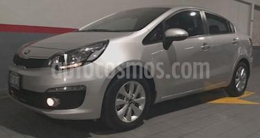 Foto venta Auto usado Kia Rio Sedan 4p EX L4/1.6 Man (2017) color Plata precio $199,000