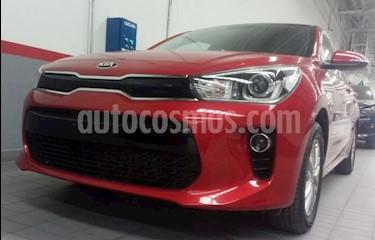 Kia Rio Sedan 4p EX L4/1.6 Man usado (2018) color Rojo precio $250,000